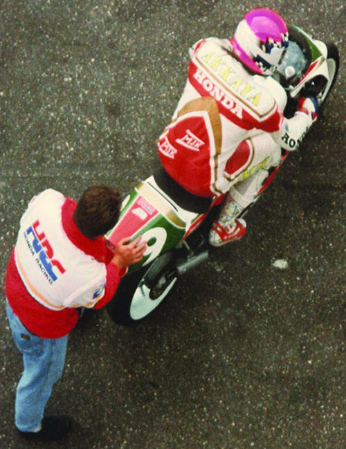 Can Akkaya with his HRC technician on the way to a lap record in Belgium 1993