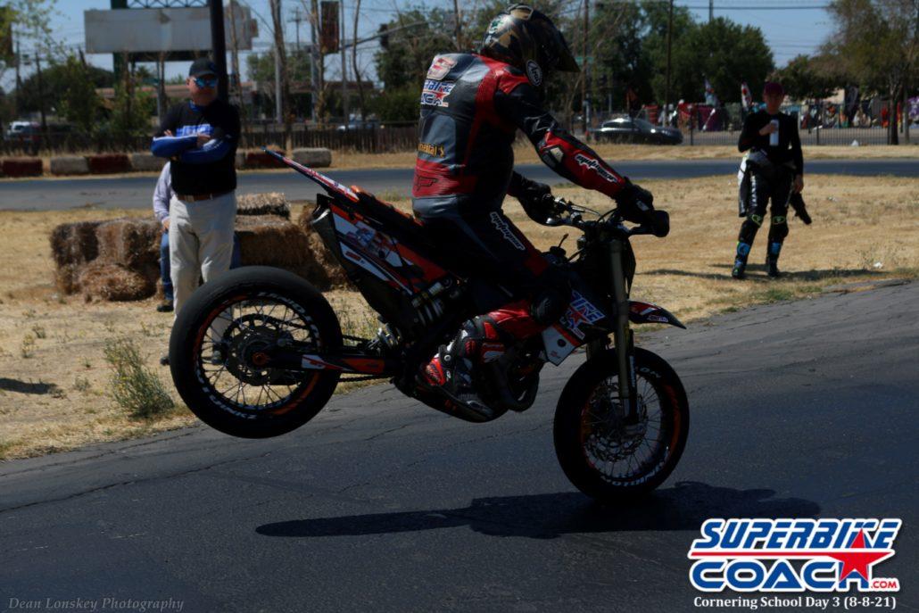 superbike coach corneringschool Feature Pics